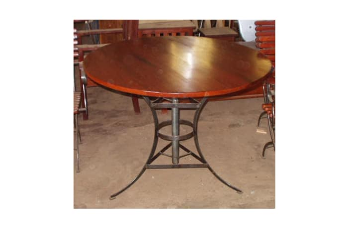 Dining table Round sturdy patio