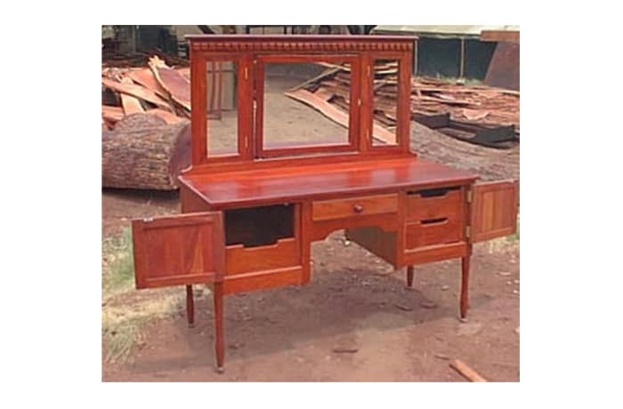 Dressing table Perfect woman's dressing table
