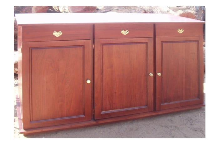 Large versatile cabinet