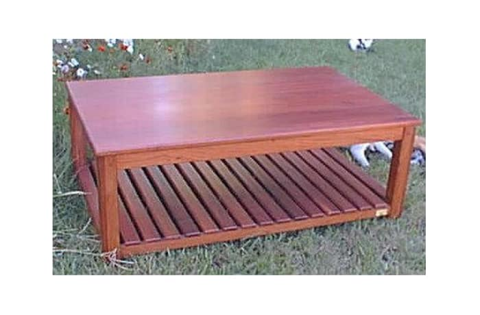 Slatinac rounded edges Coffee table