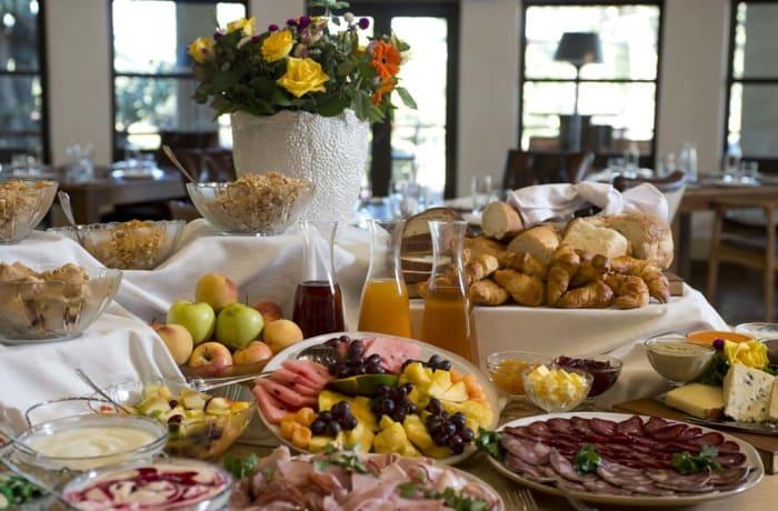 Breakfast - Buffet - Continental Breakfast Buffet