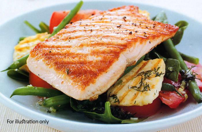 Starters - Salads - Salmon & Haloumi Salad