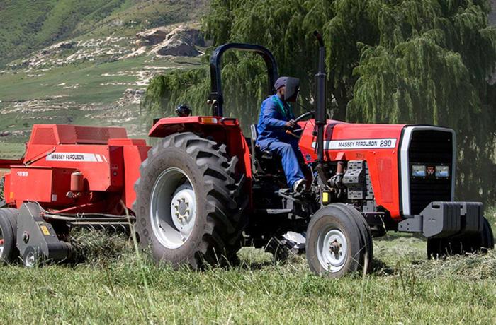 MF 200 XTRA | 35-61 KW Tractor