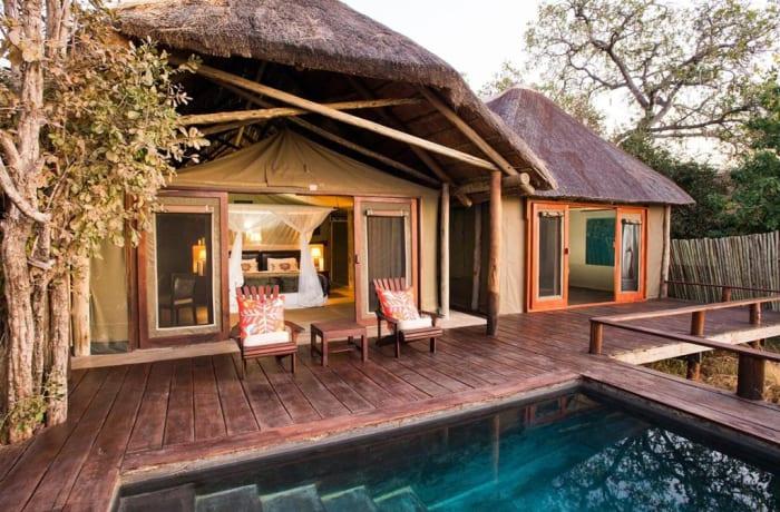 Royal Zambezi Lodge Free Flights Special