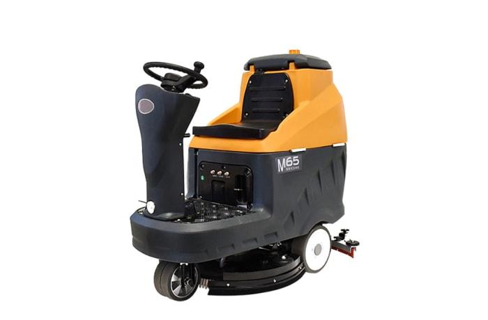 M65  Ride on Industrial Floor Scrubber