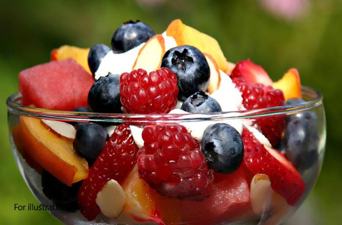 Dessert - Ice-Cream Fresh Fruit Salad (seasonal)