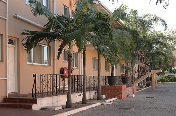 Elegant fully furnished apartments for short & long term stay image