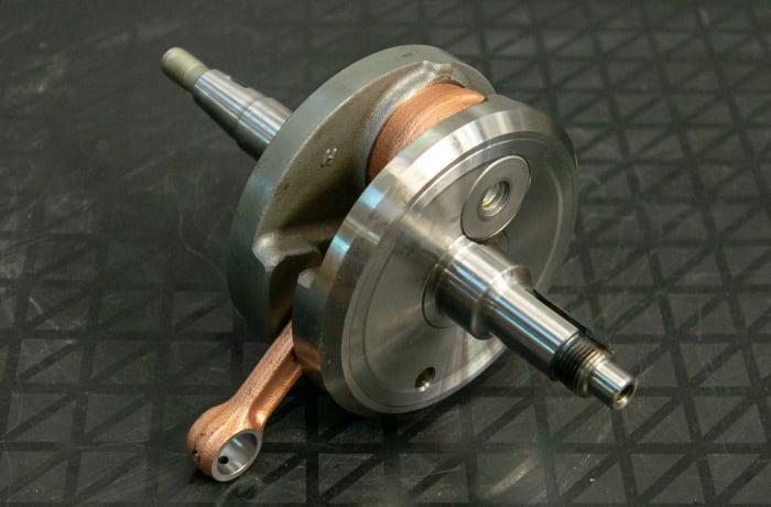 Suzuki DR200 Motorbike - Crank Shaft