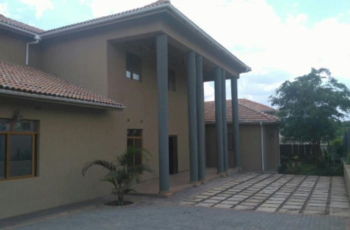 5 bedroom house for sale in Roma Lusaka