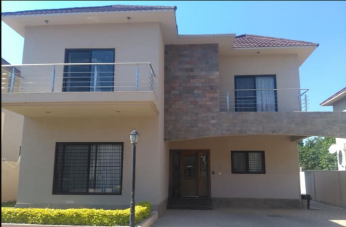 Townhouse for sale in Roma Lusaka