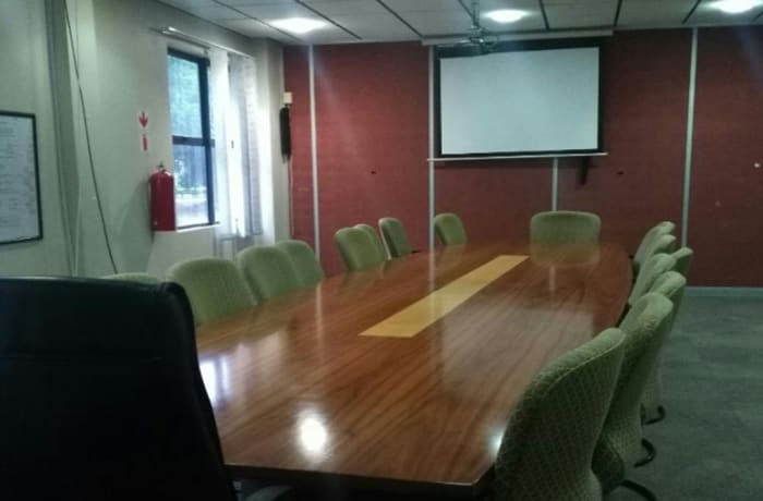 1264 m² commercial office for sale in Rhodespark, Lusaka