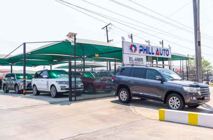 Car dealership image