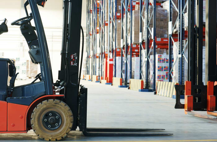 Professional lift truck operator training - 5 days for beginners