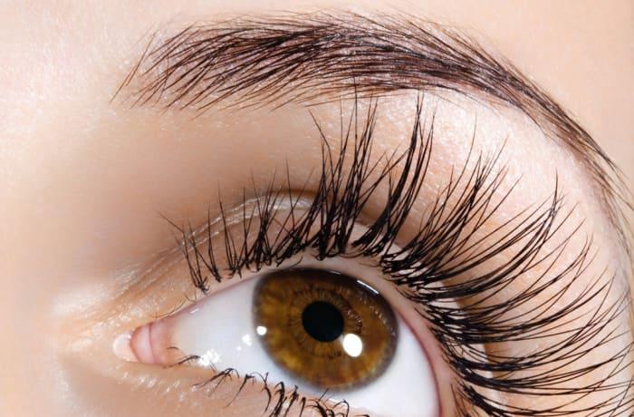 Eye-brow tinting
