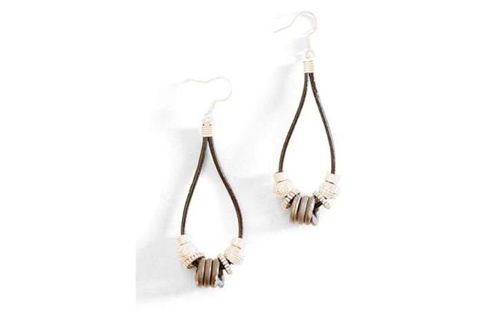 Simple snare earrings