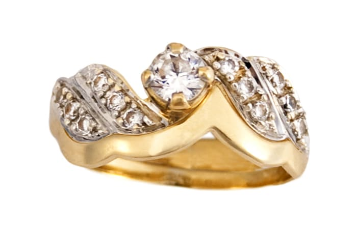 Solitaire Wave Gold Wedding Ring