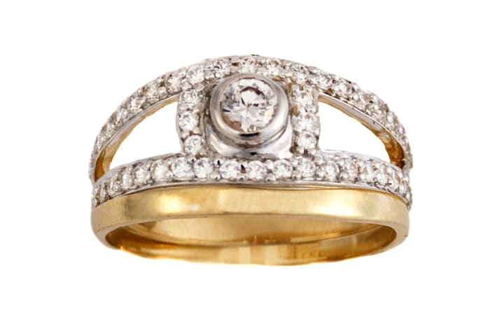 Stunning Gold Wedding Ring Set