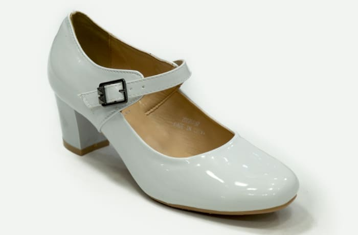 TS - Medium Chunky Heels White with strap