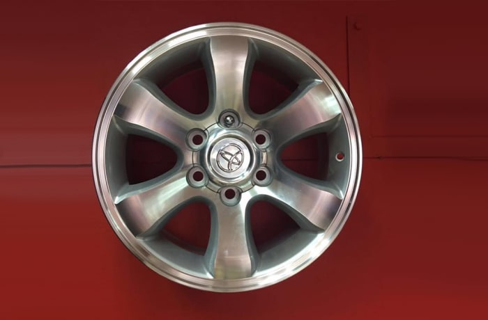 "Car Wheel Rim 17"" 6 holes Toyota"
