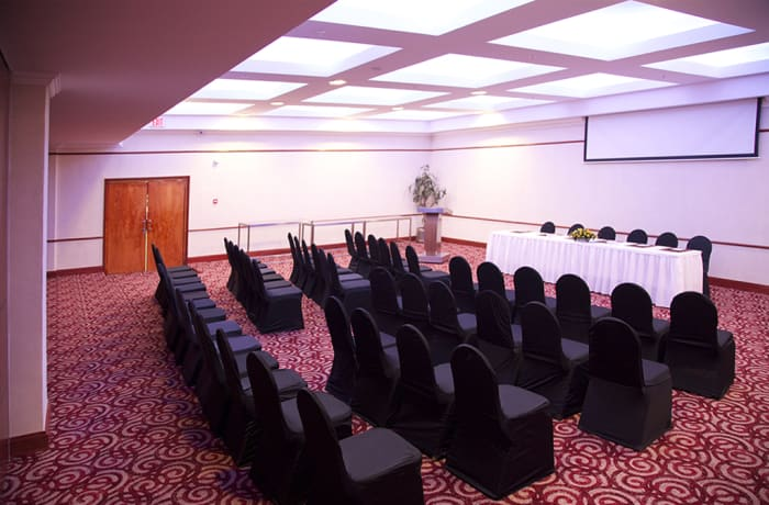 Mupani I And Il And Baobab Conference Room