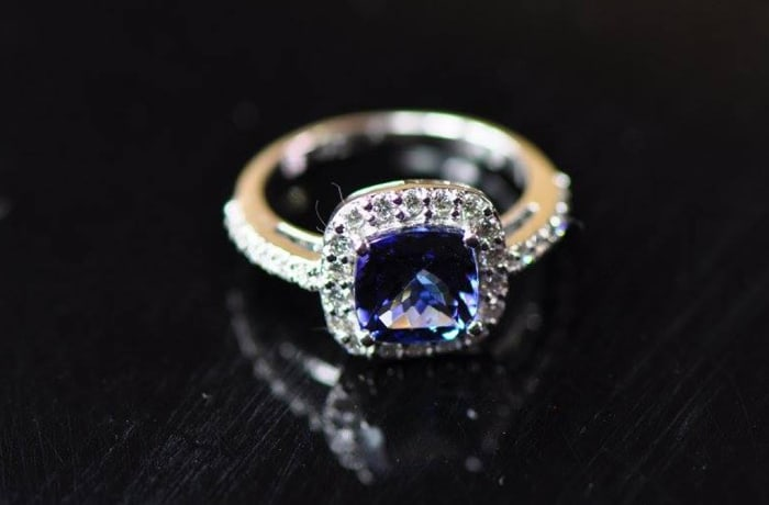 Tanzanite Square Ring White Gold surrounded by Diamonds