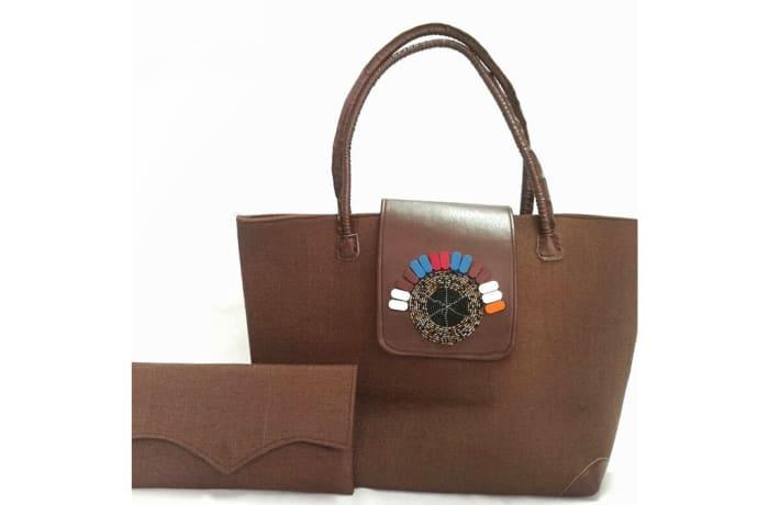 Brown leather handbag & clasp