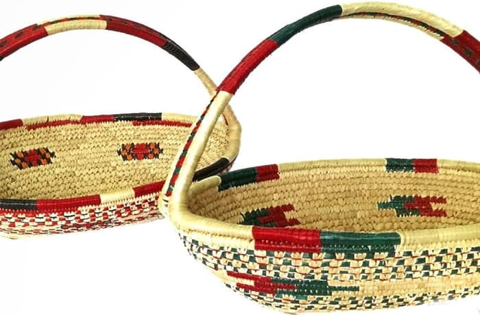 Fruit baskets with handles
