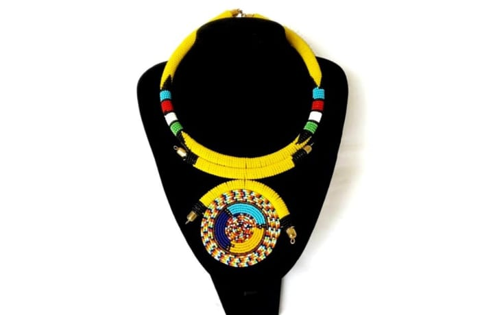 Masai round necklace with pendant