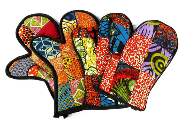 Oven gloves in African print