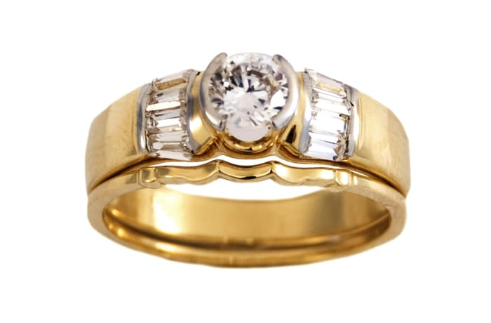 Traditional Round Cut Gold Wedding Ring Set