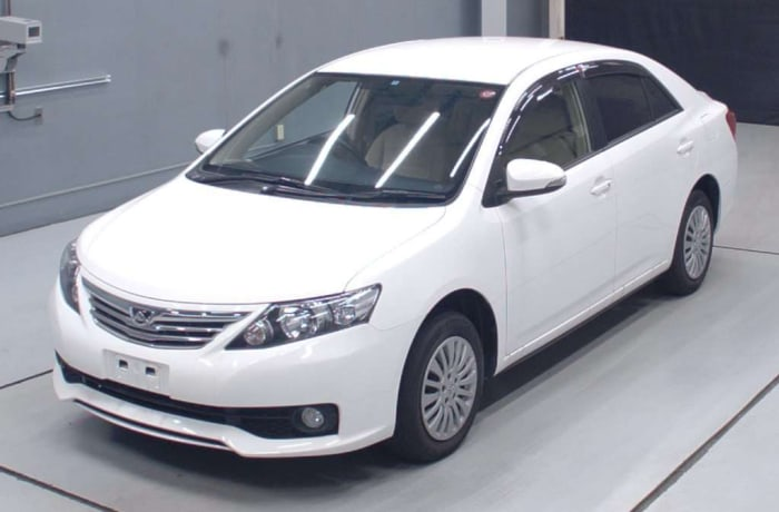 Toyota Allion - Airport transfer - flat rate