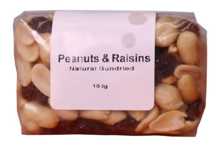 Peanuts & Raisins Mix Energy, Fibre, Carbohydrates, Protein & Fats