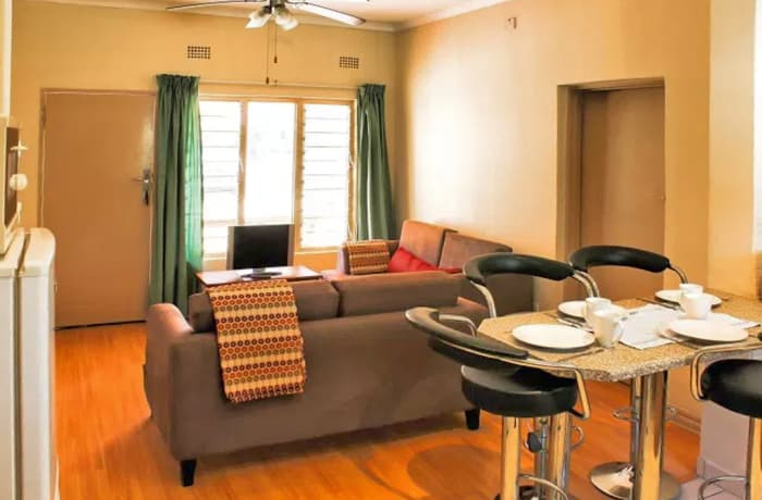 Apartments with ceiling fans - 1 to 2 nights