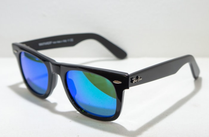 Ray-Ban Sunglasses - Black blue tint