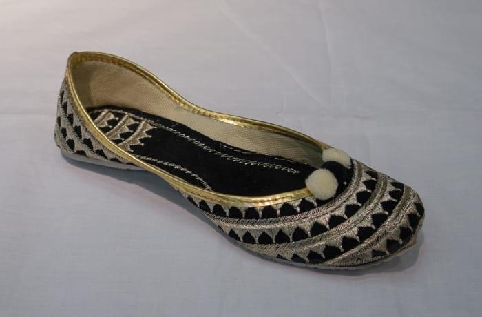 Mojari Shoes black silver