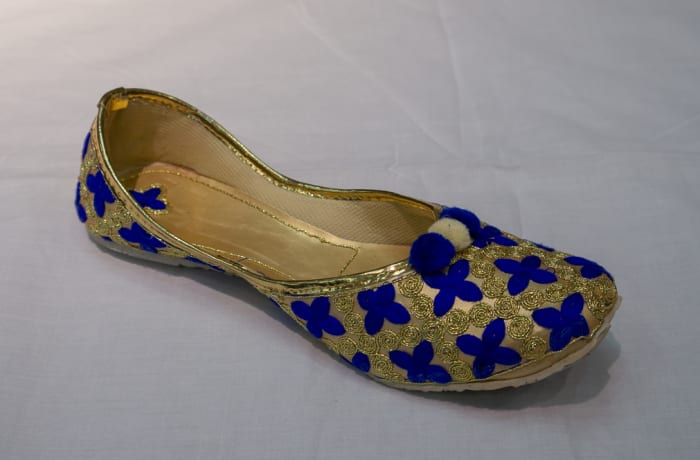 Mojari Shoes blue gold