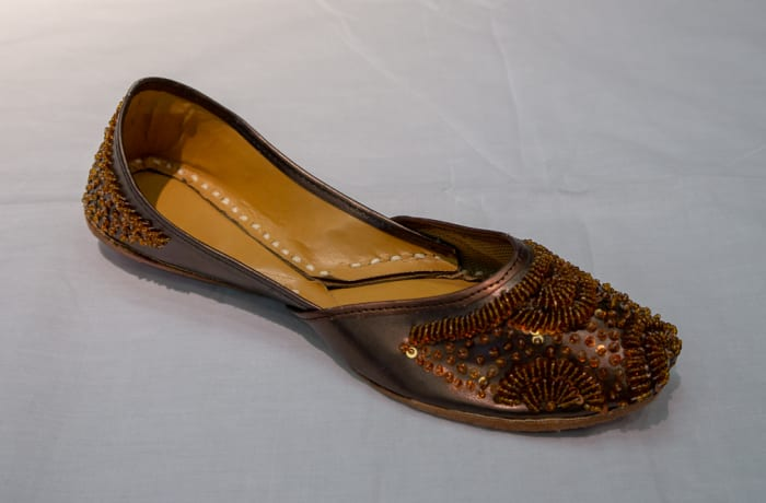 Mojari Shoes - Wome's golden brown