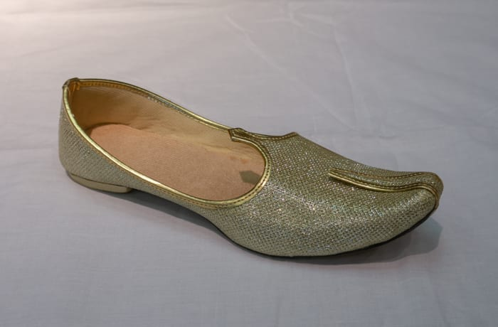 Mojari Shoes - Women's silver gold