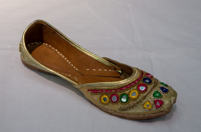 Mojari Shoes - Women's decorated gold