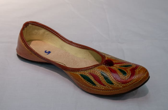Mojari Shoes - Women's orange brown
