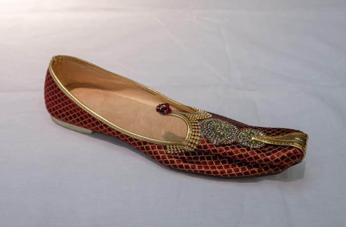 Mojari Shoes - Women's red gold