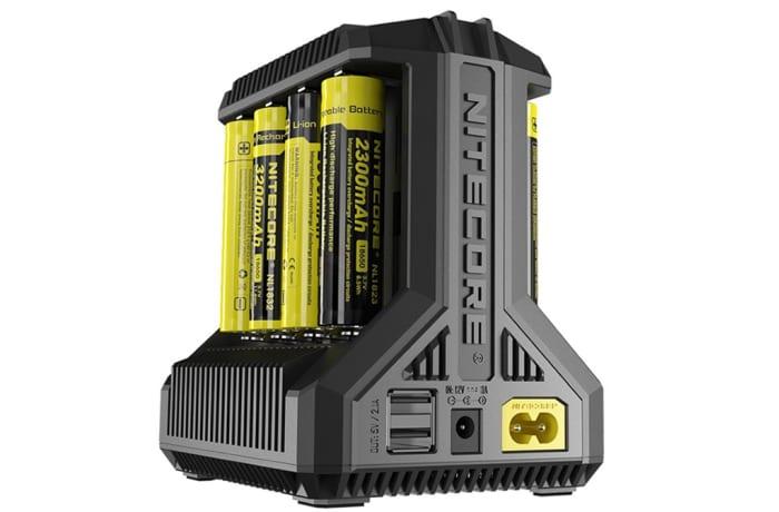 Nitecore i8 Multi-Slot USB Charger