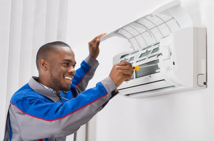 Installation and maintenance of air conditioners image