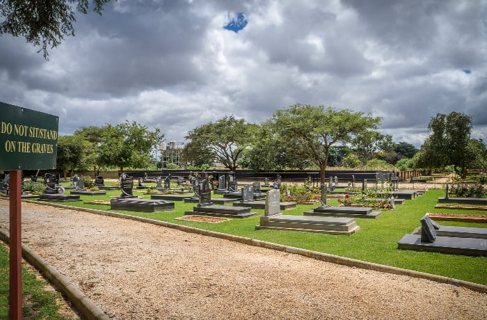 Adult graves - Garden style family site