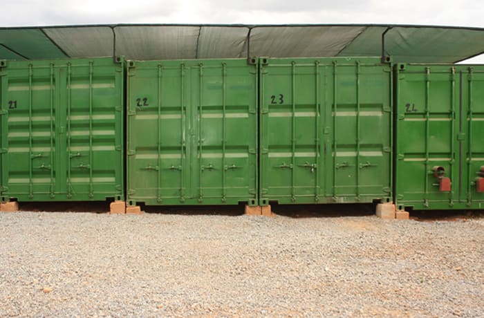 Clients who have items particularly sensitive to heat can rent a container with an alububble ceiling image