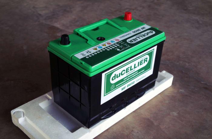 Automotive batteries image