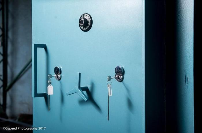 World class safes and vault security doors image