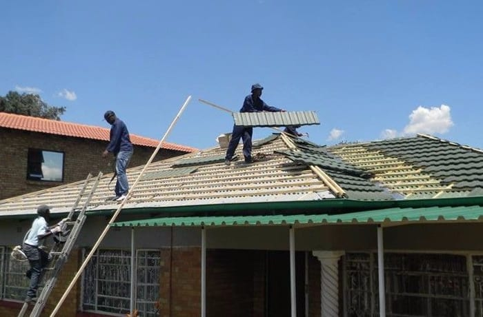 Specialist teams of roofing contractors image