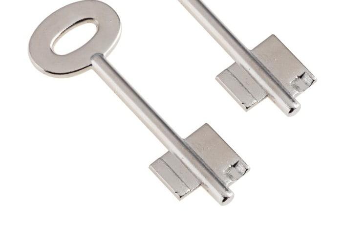 Safe key cutting