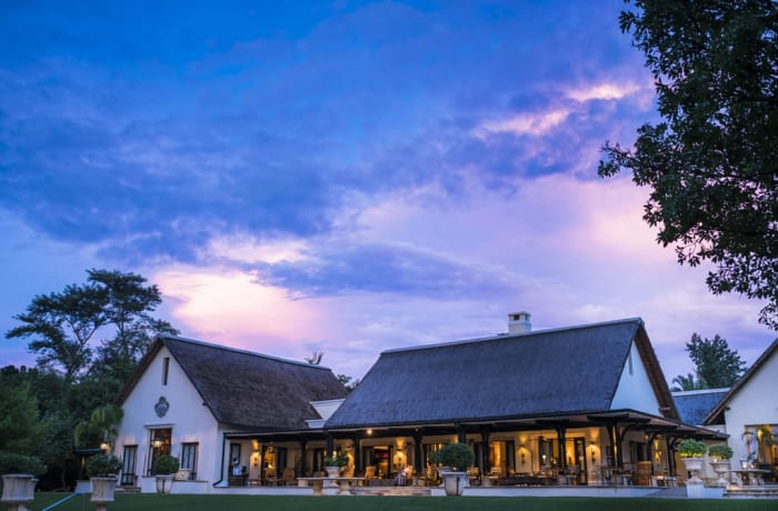 From Livingstone Airport to Avani or Royal Livingstone Hotel